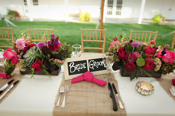 rustic-wedding-hessian-runners