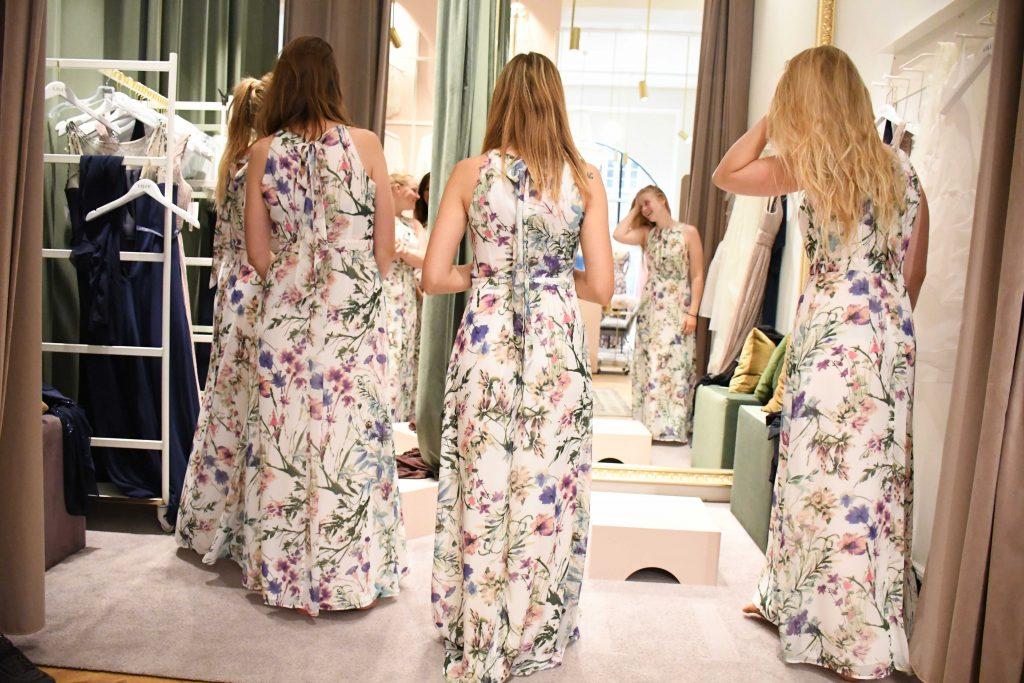 brudepige kjoler lilly1