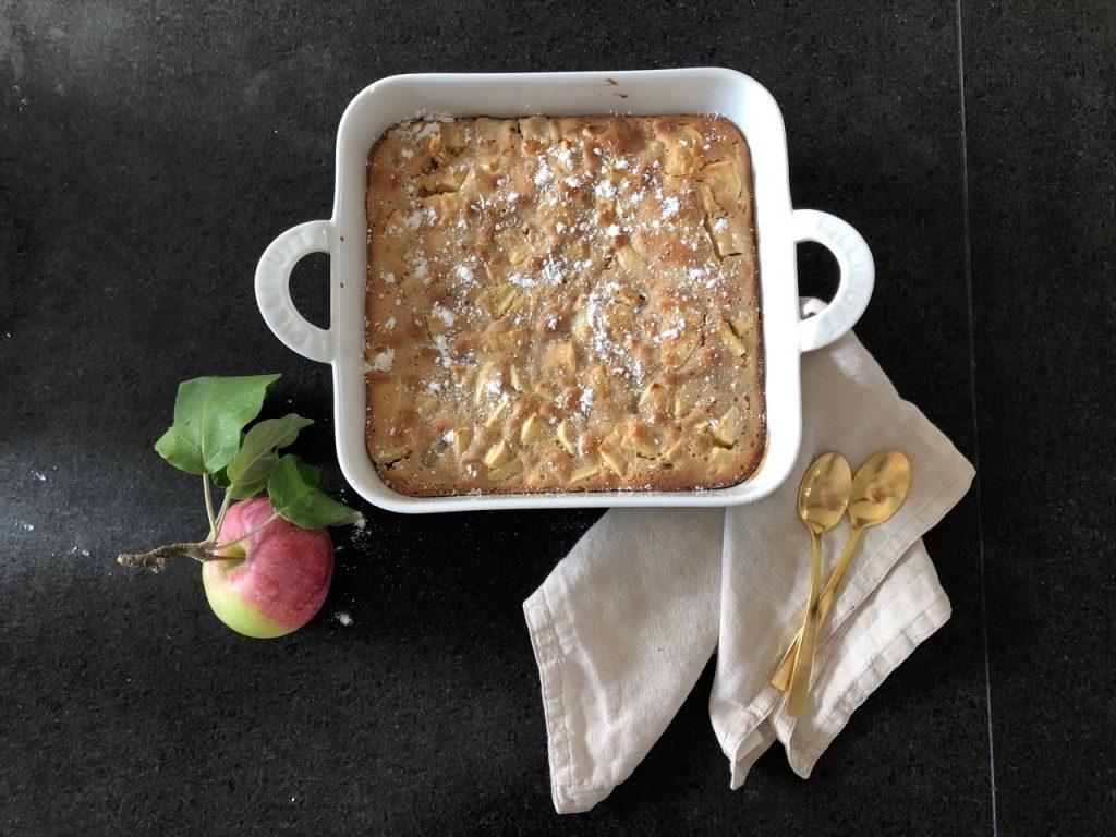 opskrift æblekage dessert